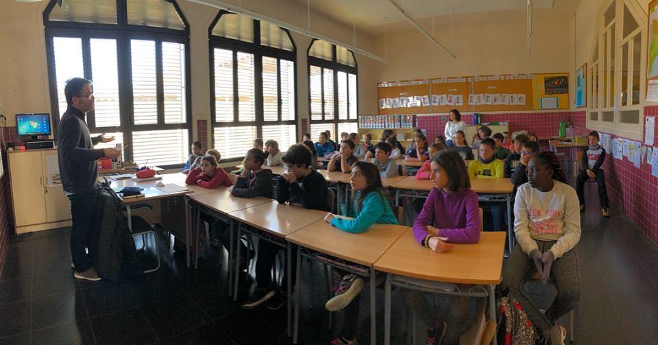 Un moment de la classe amb els alumnes de cinquè de l'escola Verge del Sòl del Pont