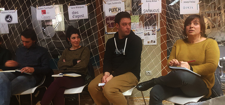 <h2>Vam participar a la taula rodona inaugural<br> del Mes de l'Economia Social al Vicjove</h2>