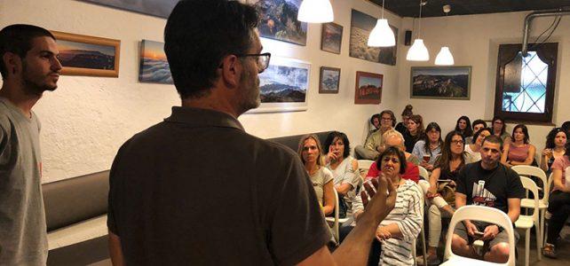 <h2>Parlem sobre periodisme cooperatiu<br> a la taverna La Nyàmera de Vic