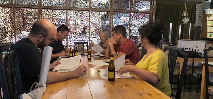 Un moment de l'assemblea que es va fer al restaurant cooperatiu Sambucus de Manlleu