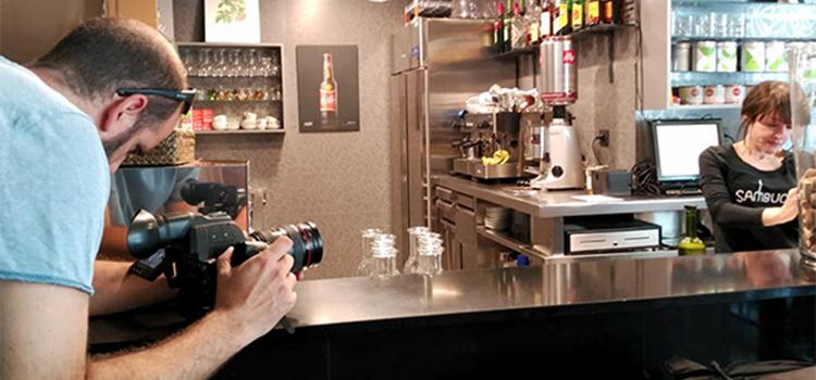 Ignasi Costa, de Natx TV, durant el rodatge del vídeo